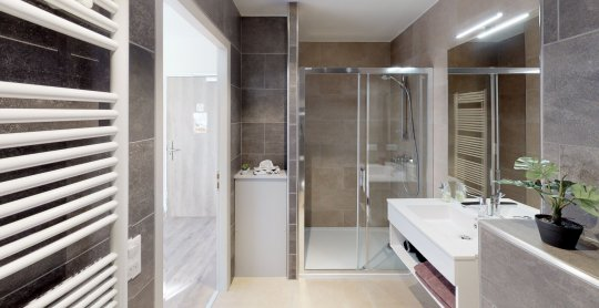 Studio de 37 m2 avec balcon 2 personnes Bathroom