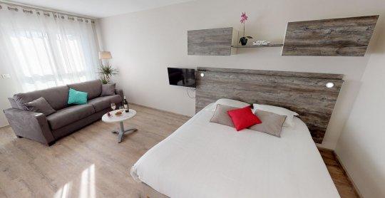 Studio de 37 m2 avec balcon 2 personnes 02072020 154528